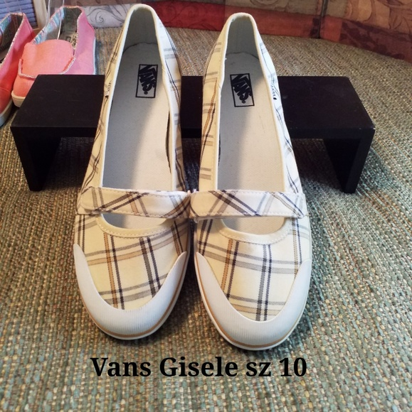 premium selection b8be8 0a284 NWOT💛Gisele by VANS sz 10/41- Mary Janes